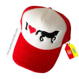 gorra roja frente blanco personalizada i love caballo