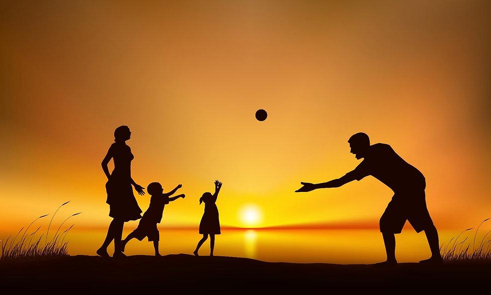 Família-sol-brincando-de-bola (1).jpg