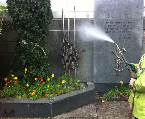 DOFF steam cleaning of war memorial