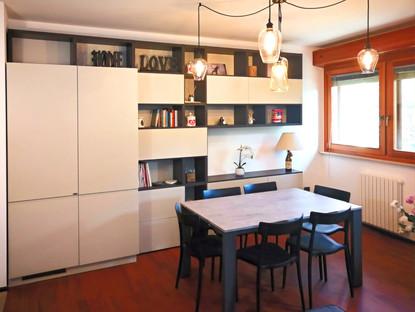 una cucina integrata al living