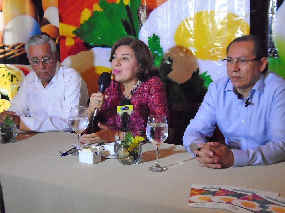 Alfonso Valerio, Josefina Bonilla, Donald Tuckler
