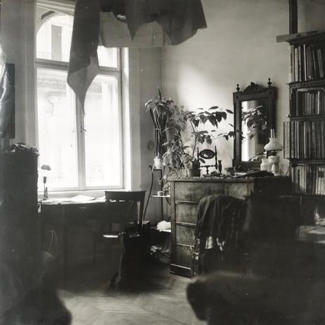 A Szigetvári utcai lakás, 1985