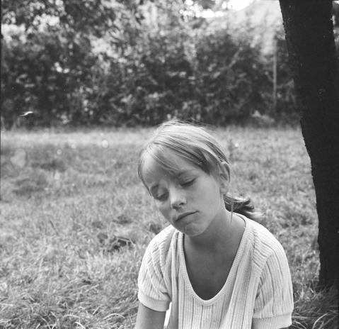 Juli a sződligeti kertben