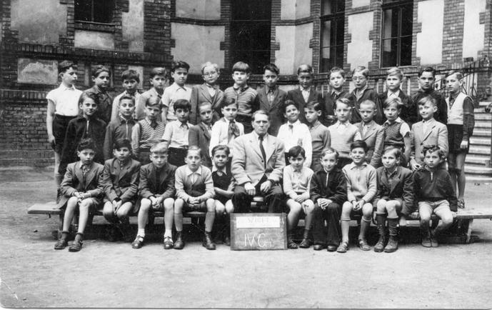 Iskolai tabló,1955. IV. C.