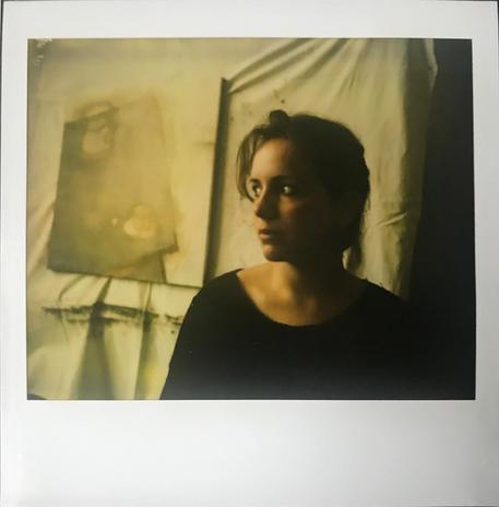 Juli a Karinthy úti műteremben, 2001