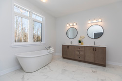 Primary Bathroom - Mackie Homes