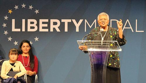 malala_liberty_medal_award_philadelphia_
