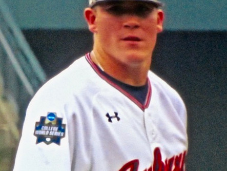 Anderson to forego senior season at Auburn, signs with Royals