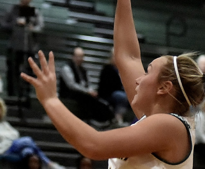 Lady Canes, Lady Tigers advance in region tourneys