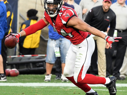 Beasley, Falcons hold off Giants