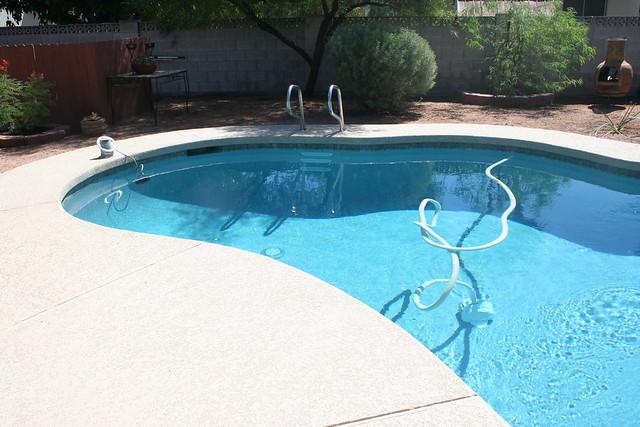 pool deck pressure cleaning