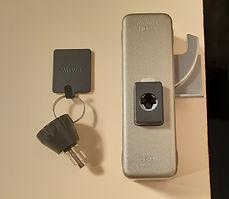 内側から開かない安心機能付きの鍵