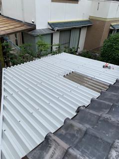スレート屋根→リファイン カバー工事