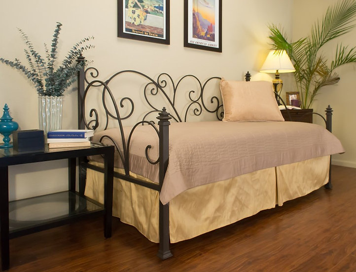 Avery Iron Daybed - $1328
