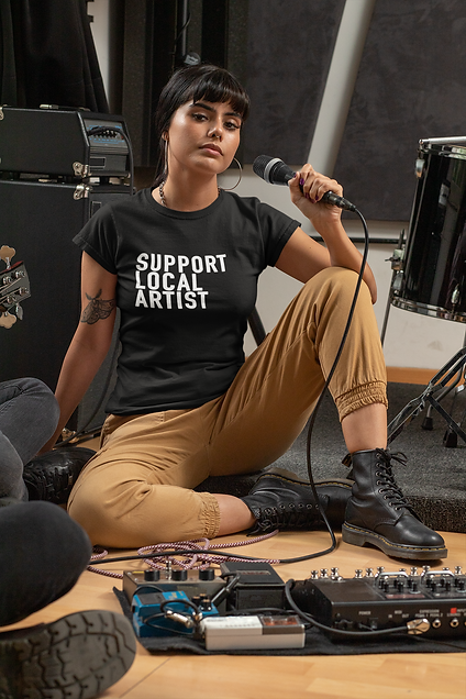 t-shirt-mockup-of-a-woman-with-a-microph