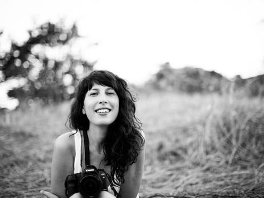 """Giulia Manelli: Guardare il cinema da fuori. Le fotografie di scena di """"Drive Me Home""""."""