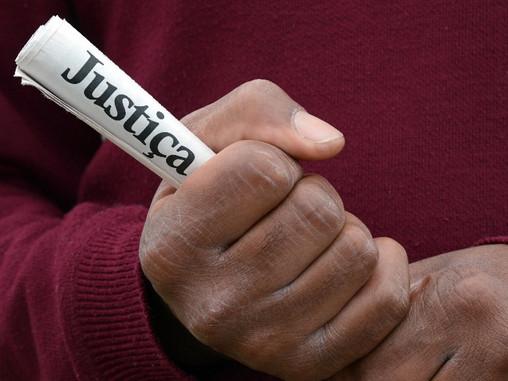 Homem é condenado por discriminação racial contra a própria cunhada.