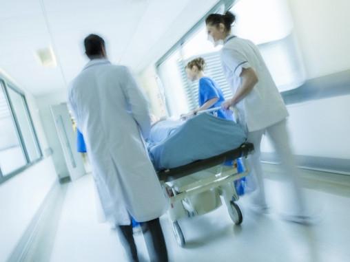 Prefeitura indenizará família de paciente morta após não ser transferida para UTI.