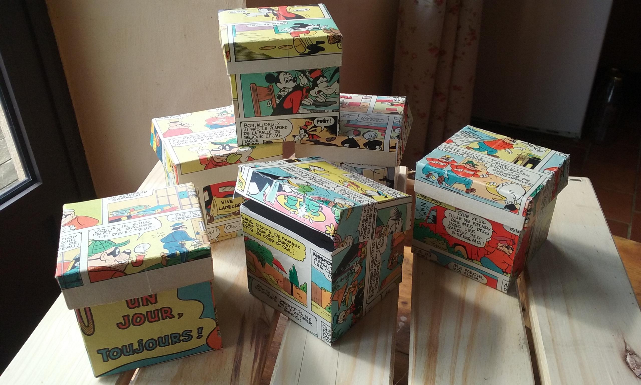 Boîtes journal de Mickey vintage