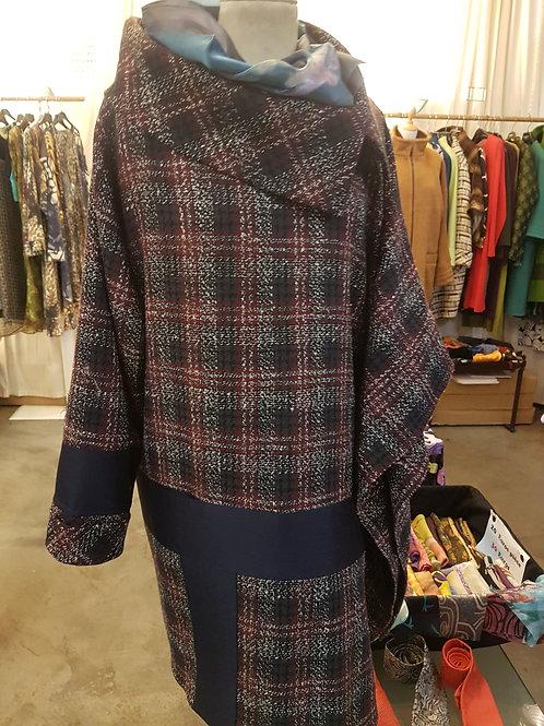 Manteau demi.cape.une manche