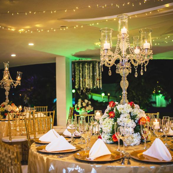 Centros de mesa con candelabros