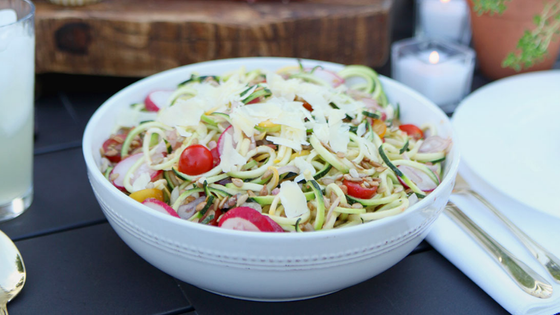Rainbow Salad with Fresh Tomato-Basil Dressing