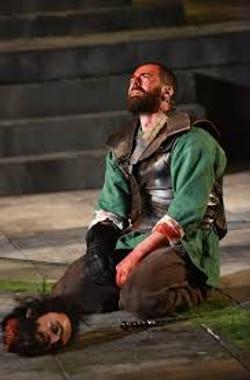 Daniel Cahill as Macduff