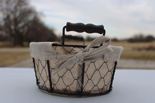 Wire and wood basket with handle