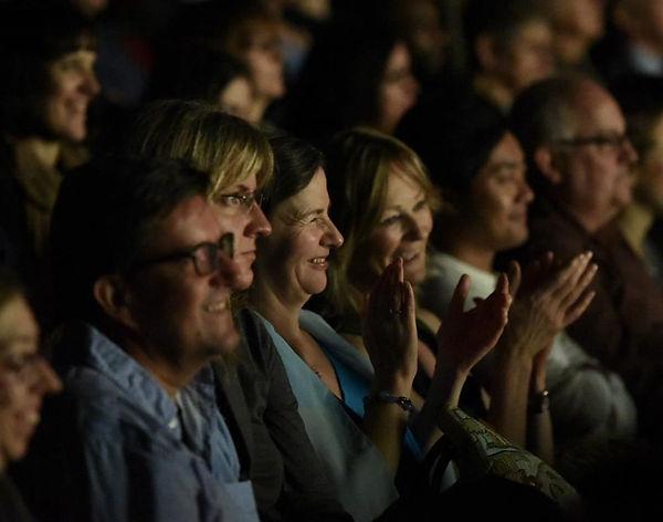 Publiek applaudiseert bij presentatie Kinote