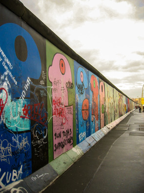 East side gallery  - Thierry Noir