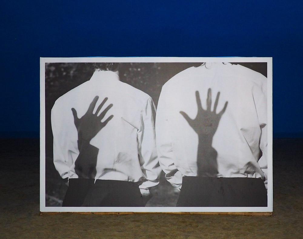 Rétrospective de Koto Bolofo sur la plage de Deauville - Ten, 2007.  (© Koto Bolofo)