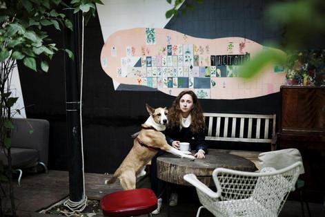 Маша и Арчи в кафе Fruit&Veges в Artplay