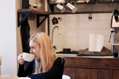"""Локи и Coffee & sandwich bar """"David B. Cafe"""" в Большом Палашевском переулке"""