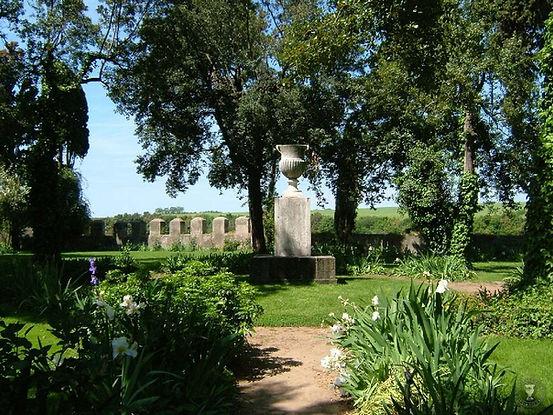 Garden of Castello di Ceri.jpg