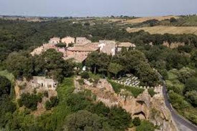 Castello di Ceri Italy.jpg