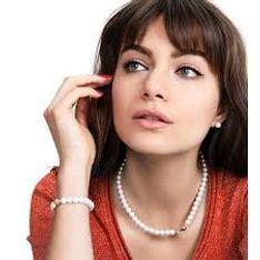 sharing pearl jewellery set.jpg