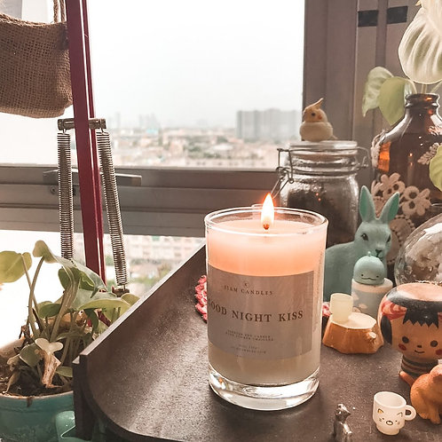 Goodnight Kiss | 9.5 oz Standard Soy Candle