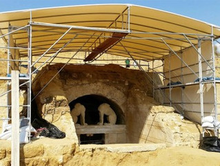Amphipolis: Pebbled mosaic and wild speculation (see photos and video)