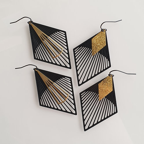OORHANGERS black and gold 5