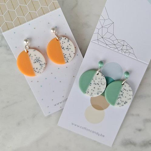 OORSTEKERS met cirkels in pastelkleurtjes peach/mint