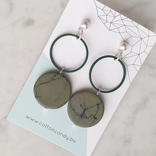 OORSTEKERS green marble met cirkel