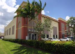 Frente Edificio DL INTL