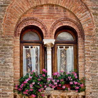 tuscany window_81099154_72dpi_crpd.jpg