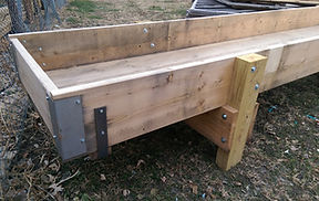 Wood feed bunk