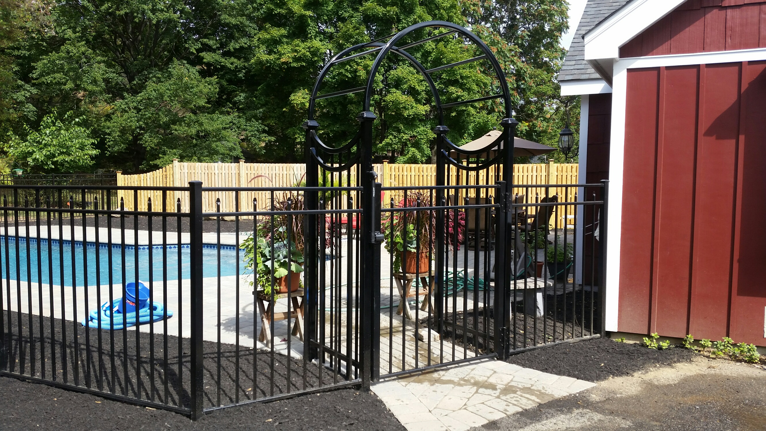 Siskin Gate with Arbor
