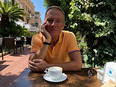 nadia_frei_kávéval.jpg