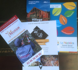 Flyers, programmes, guides