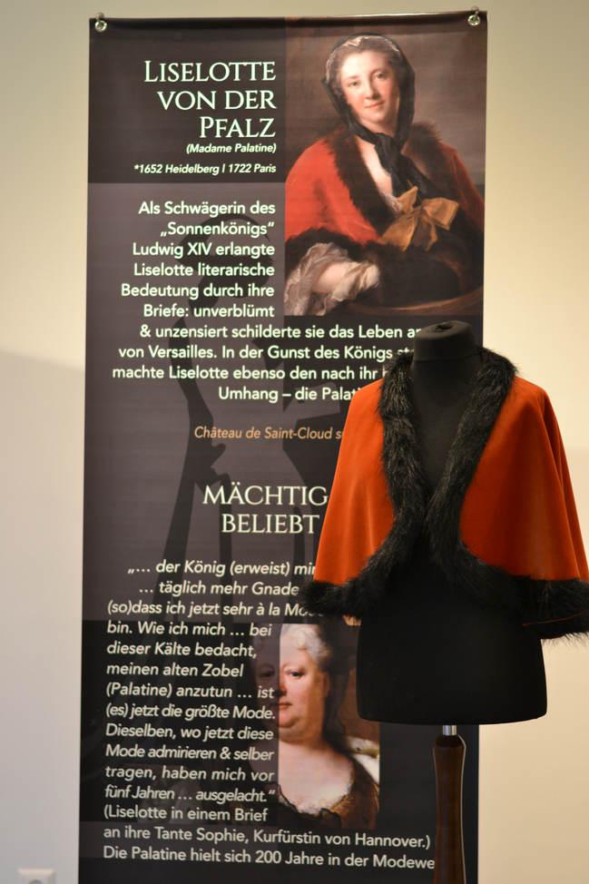 """Display """"Liselotte v.d. Pfalz"""""""