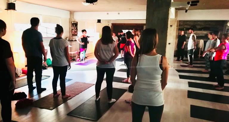 Yoga por una buena causa.