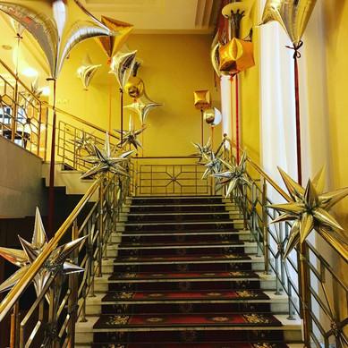 Украшение лестницы